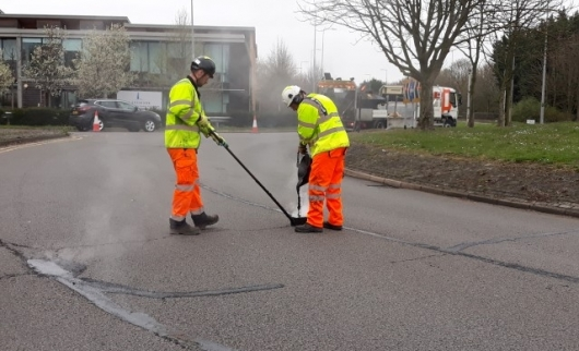 Tackling Potholes - Crack sealing of road joints 18/19