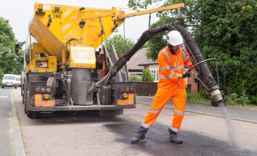 Tackling Potholes - Spray Injection Patching